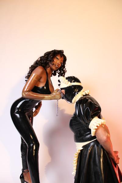 Black dominatrix loves turning whiteboys into sissy maids
