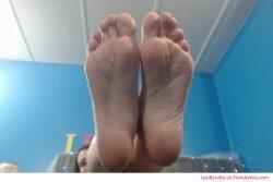 Get teased by my big pretty feet
