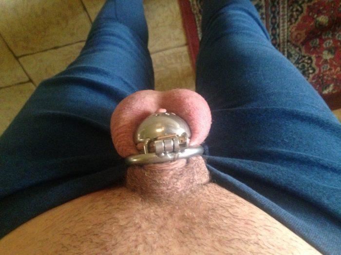 Gf's sissy. (Repin) nice locked Dickclit