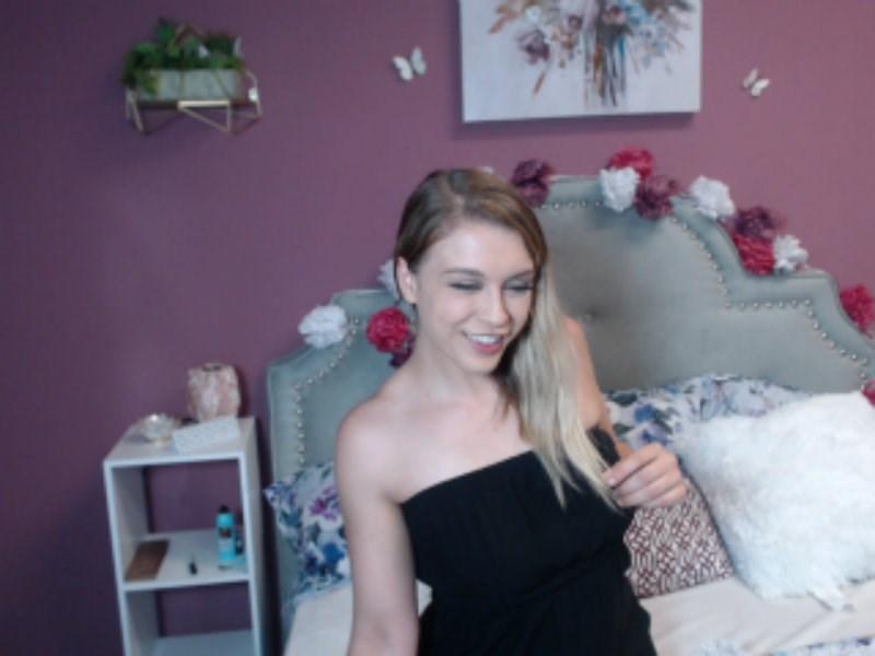 Flash me your dicklette on webcam