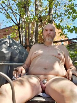 Sissy stephanie naked in her backyard begin to be caught by her neighbor