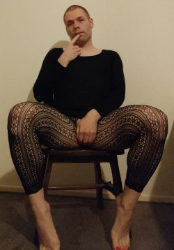 Webslut Robert Hendriksen – Crossdressing Striptease Exposure