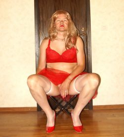 Sissyfag in red