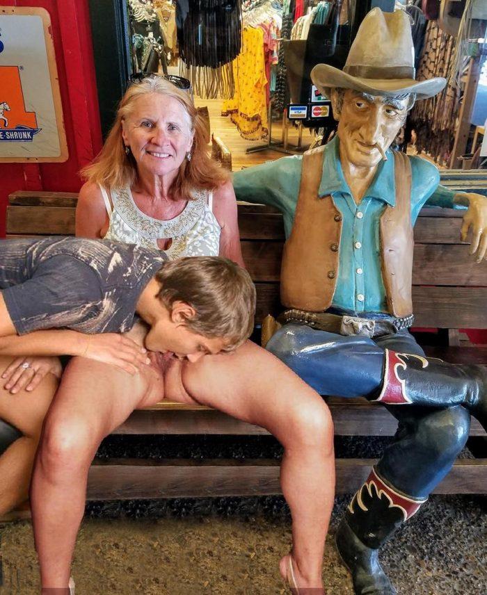 Slut Joyce spreads pussy for lick