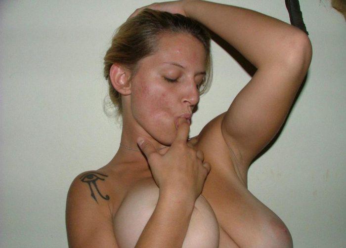 Nude blonde milf
