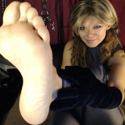 Milk your dick to milf feet on webcam