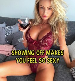 Showing off makes sissy feel so sexy