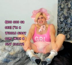 He is a little sissy gurl with a tiny clitty