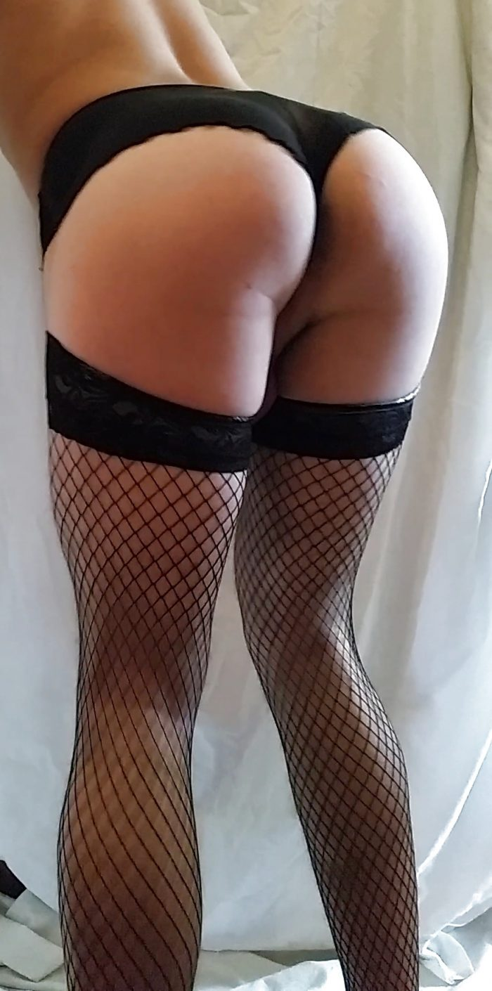 Sissy dolled up for exposing