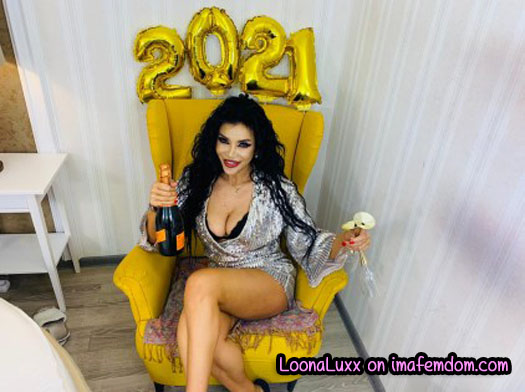 Rock in the New Year with Goddess Loona Luxx