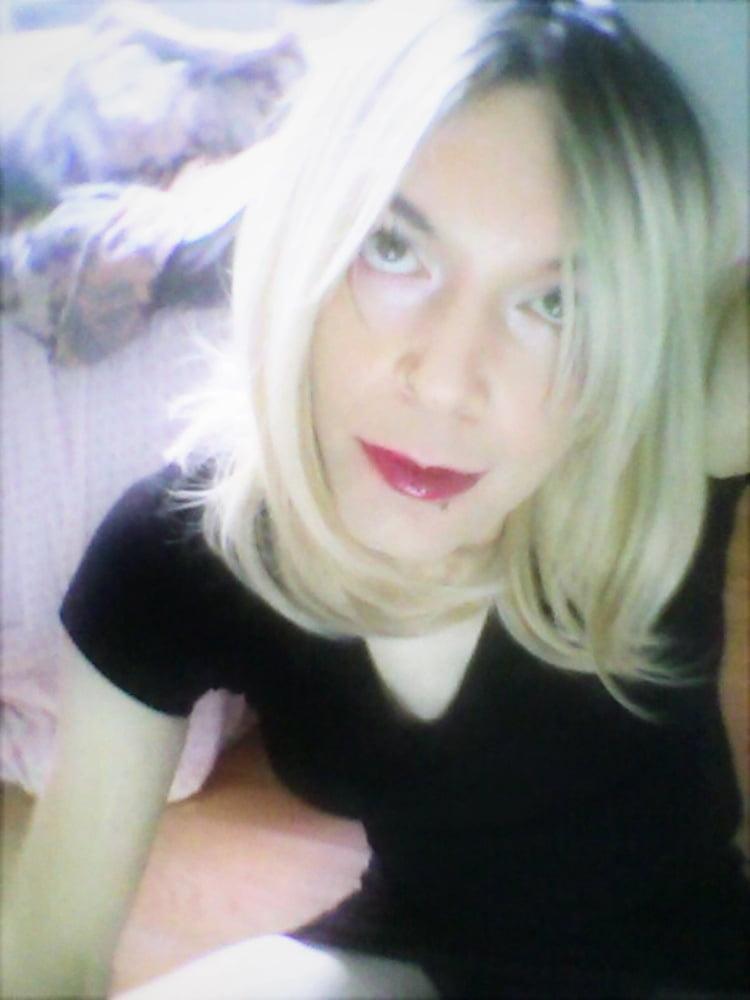 Toni Naomi