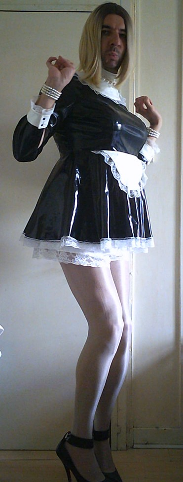 Sissy Latex Maid
