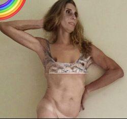 I'm a good cock sucker. Ferny is a sissy slut bottom 💋💋🍆🍆💦💦