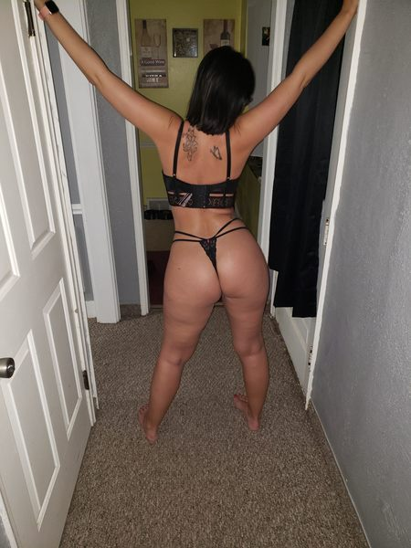 Goddess shakes her big booty while you get off