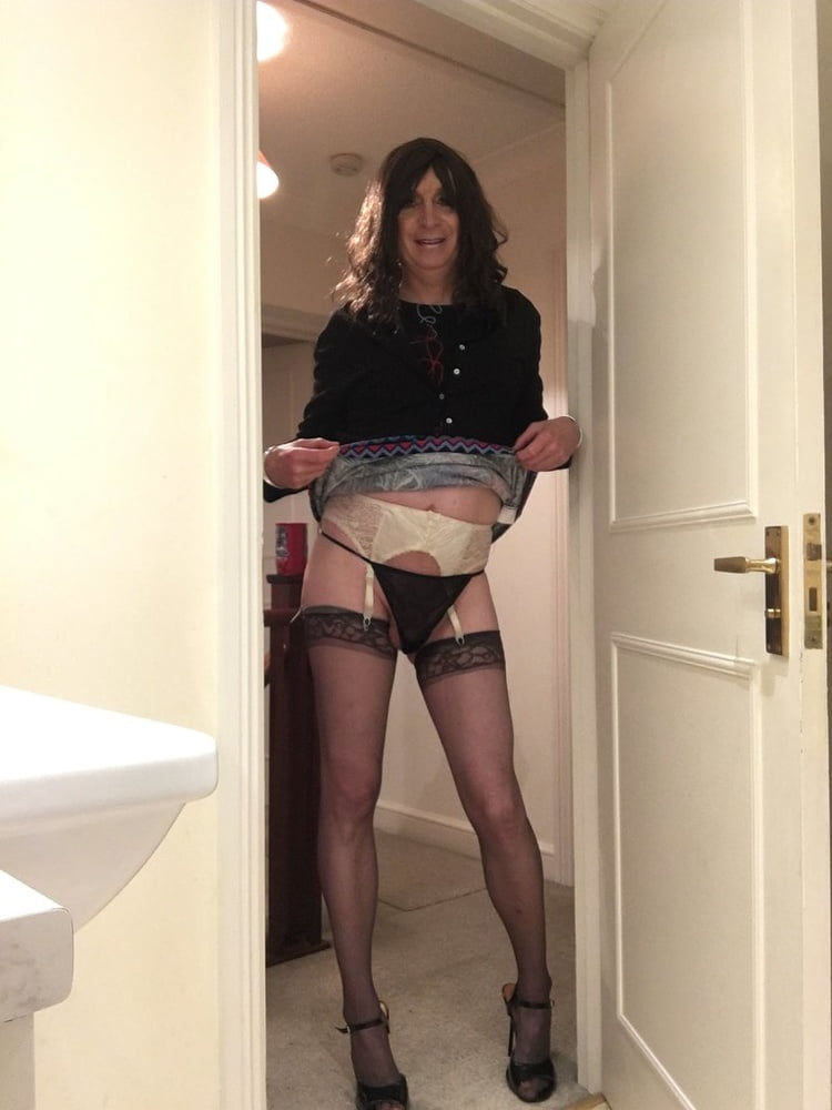 Sissy sarah ready for dogging