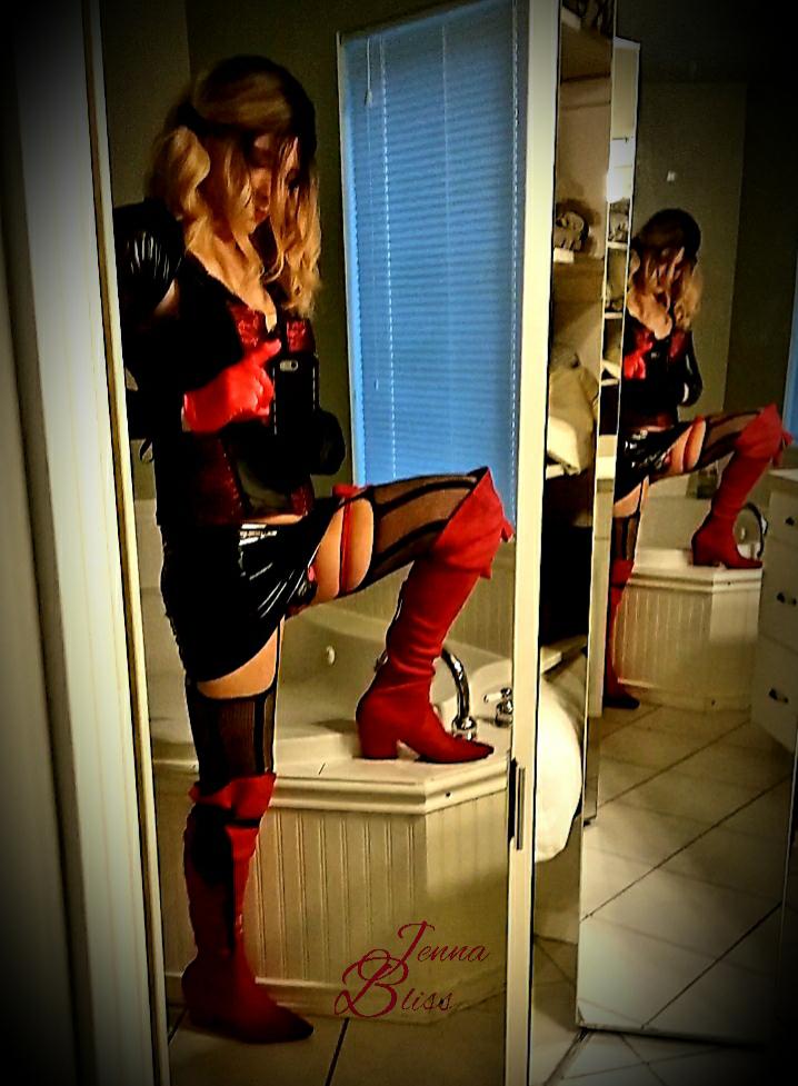 Jenna Bliss corset 2