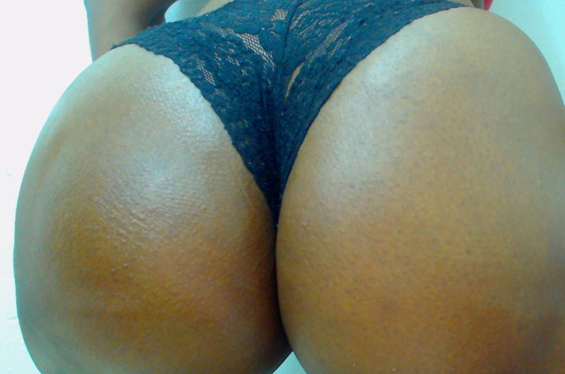 Big black ass shaking on cam while you beg for a facesitting