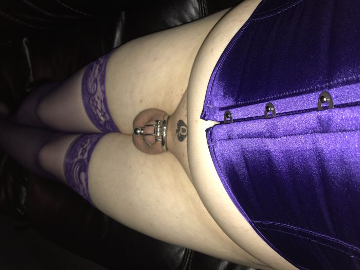 So sexy in her purple