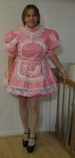Chrisissy available to serve as your Sissy Maid