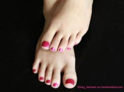 Serve these cute toes like a submissive foot slave