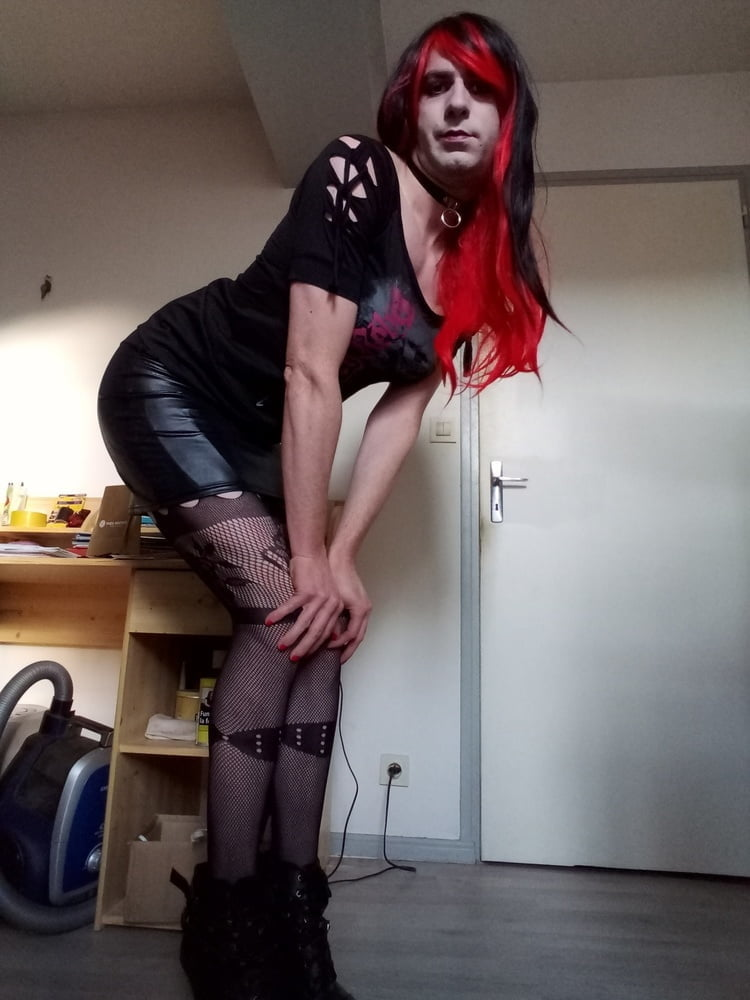 sissy is ready for a HOT nite