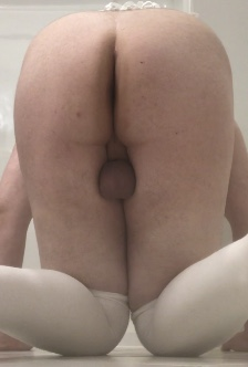 Dick so tiny, all you can see are my little balls.
