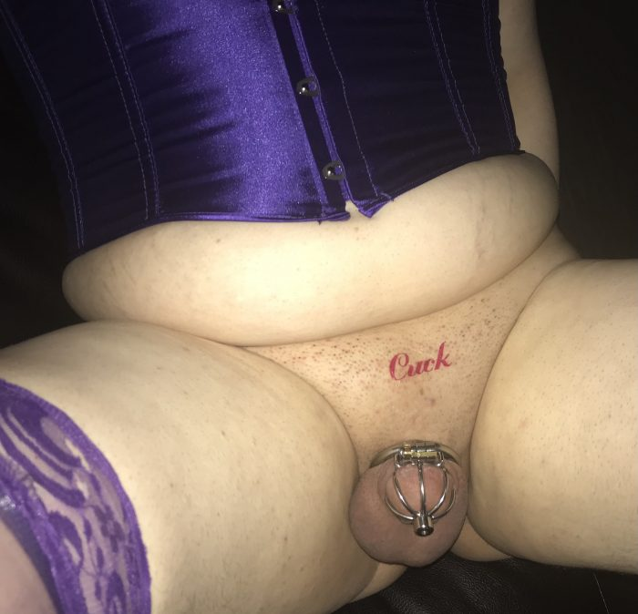 Cucky showing off for the camera. Work it, sissy gurl!