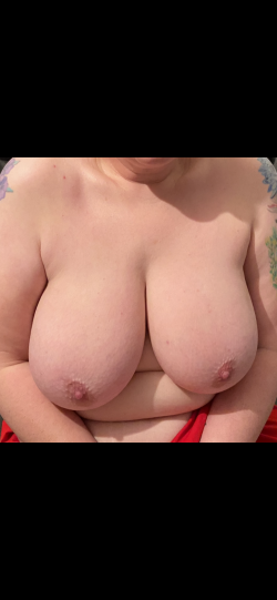 Wife loves showing her big 40dd breasts to other guys