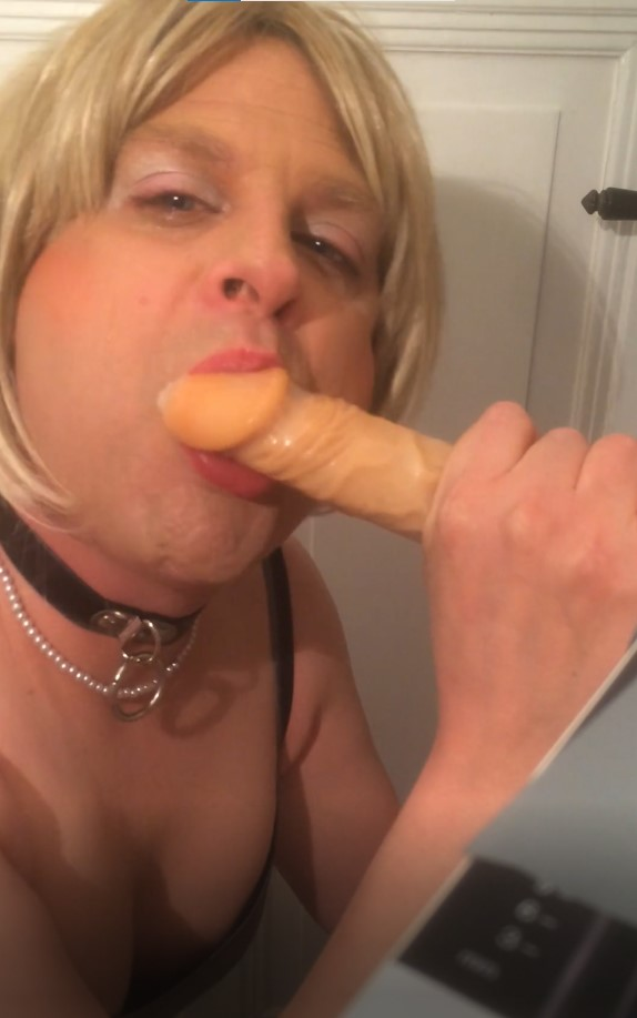 Look at that little whore. Down on her knees aud sucking a dildo. Sissy slut Dana needs exposure