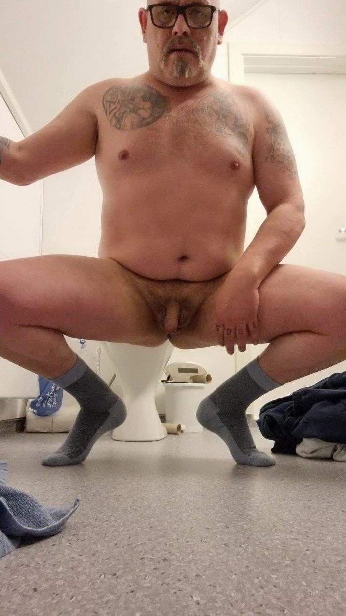Expose and humiliate my little penis