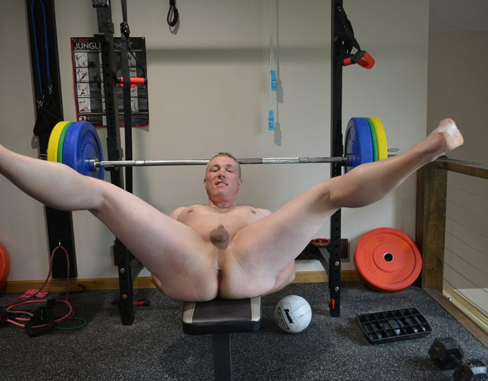 Slavetrent naked and ready for cock