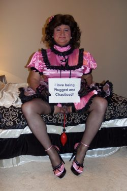 I love being plugged and chastised!