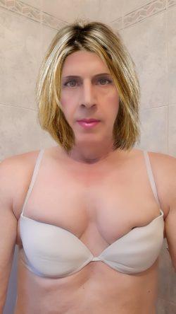 Sexy sissy peckey