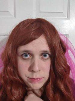 Red wig Sissy Alexis Rayne