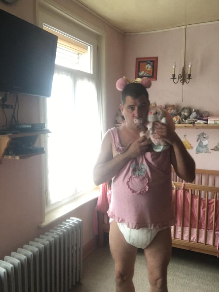 Good evening everybody, In thick diaper for the evening and night