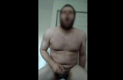 Two finger tugging gooner going crazy for ass crack