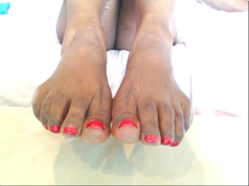 Masturbate your meat to my Indian feet