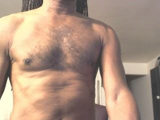 Old black dick jerking off for sissies